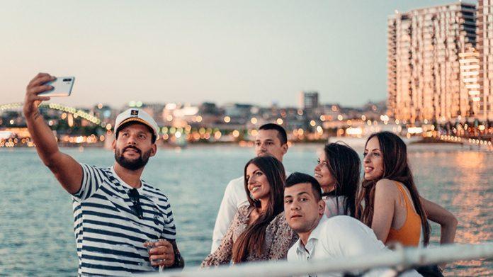 Sunset Cocktail Cruise – čarolija koktel krstarenja beogradskim rekama